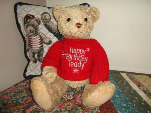 Gund Happy Birthday Teddy Bear 14 inch with Sweater