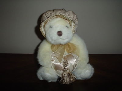 Russ Berrie UK  Heart Throbs Bear Retired