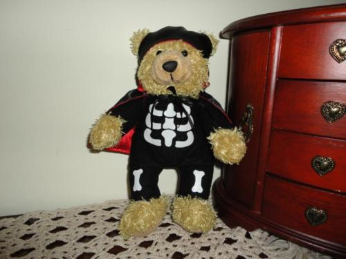 AGC Canada Halloween Skeleton Outfit BEAR Plush Vampire Satin Cape 9 Inch