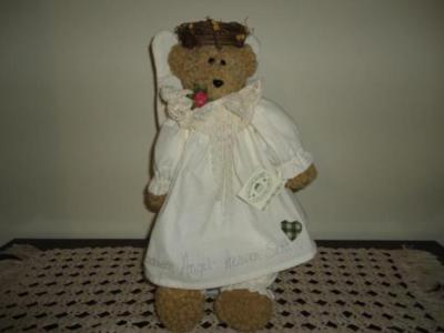 Hand Crafted CANADA Artist GUARDIAN ANGEL BEAR