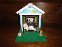 Wooden MUSICAL MOVING Antique Car Garage Bride & Groom Just Married Music Box