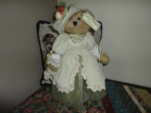 Fancy Ladies Collection LISA BEAR Faux Mink Creature Comforts WTags 14 inch