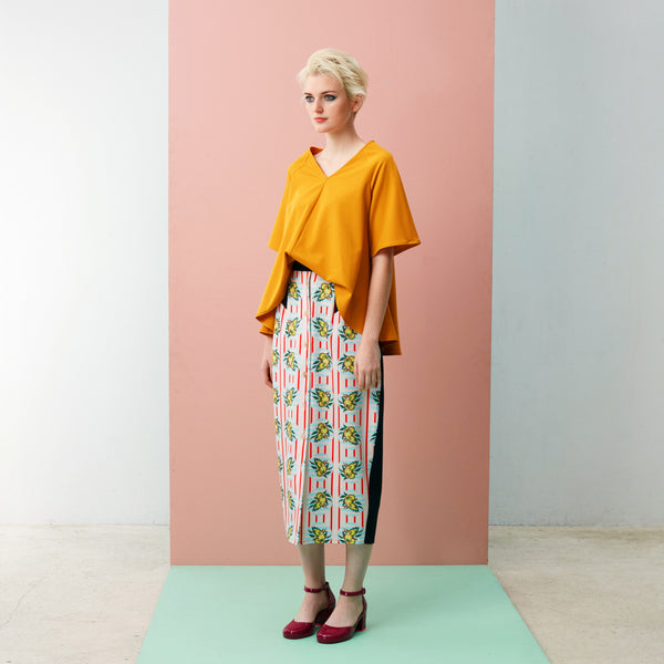 A Pencil Maxi that comes with Pockets- your next Sophisticated, Functional and Fashionable piece