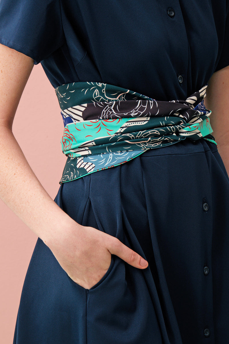 Made with our comfortable and soft Tencel material, this button down maxi is comfortable and chic with clean tailoring. Cinch the waist with our beautiful Obi sash in our limited edition Singapore Food Series – Mint Chilli Crab print, for an alternative look.