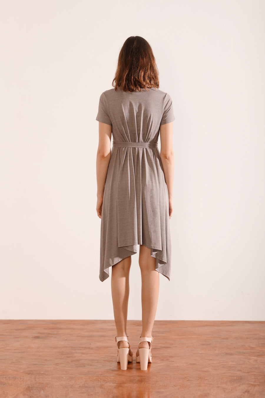 Borderless Dress with Short Sleeves