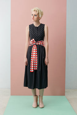 Sleeveless Pleated Dress With Cream Chilli Crab Obi Sash