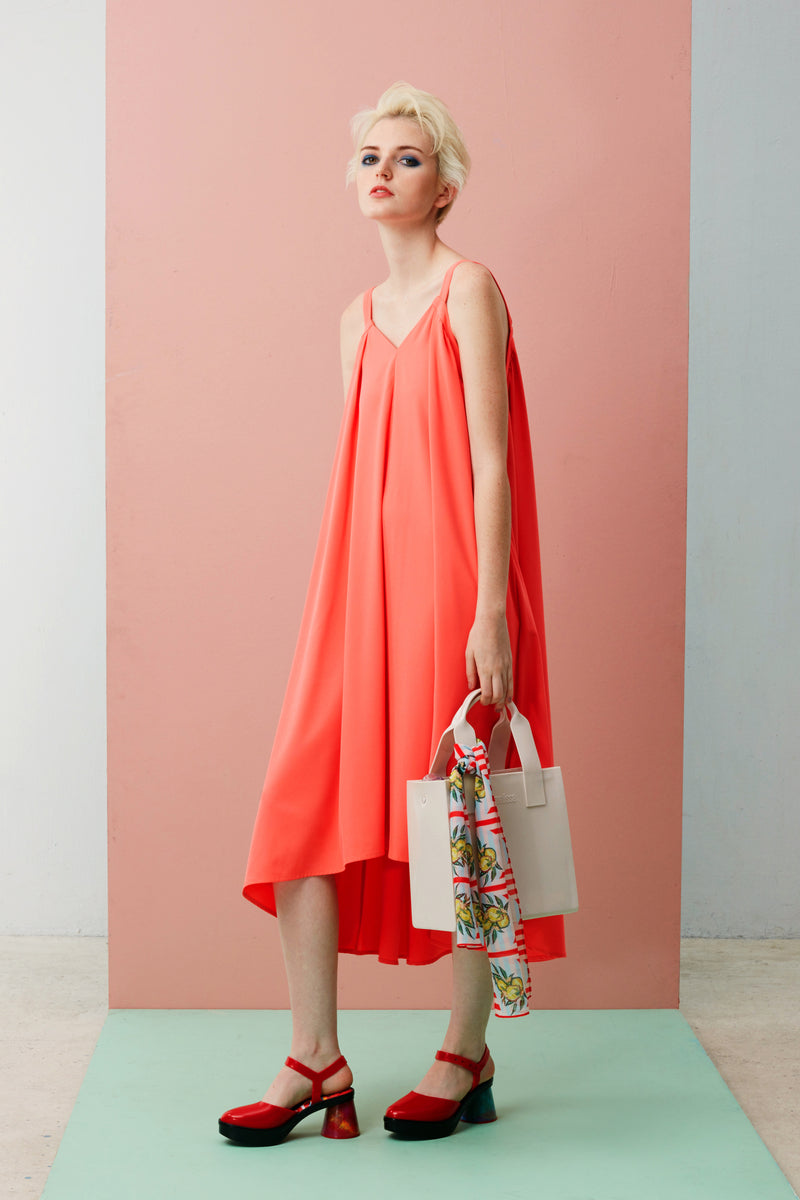 Chic V-Neck Dress for Women. Maxi dress in Pink. Made with Tencel. Also available in Forest Green.