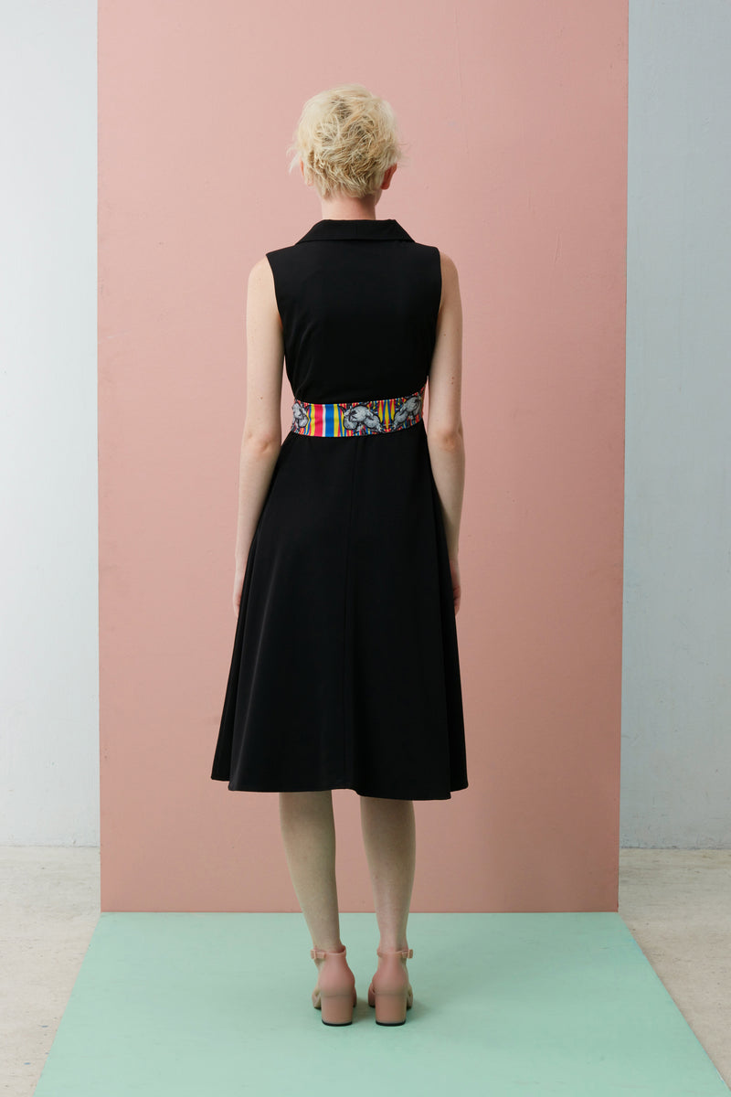 Sleeveless Wrap Dress with Slanted Sash (Mao Shan Wang)