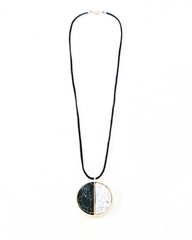 Wanderer Lightness & Dark Stone Necklace