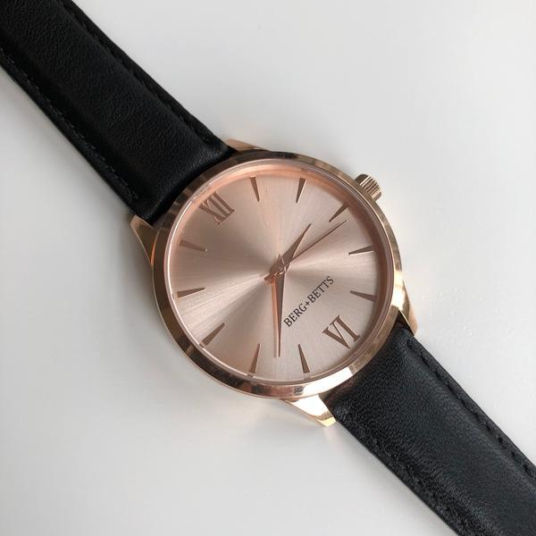 Round Rose Gold Mirrored Minimalistic Watch with Black Sustainable Leather Band