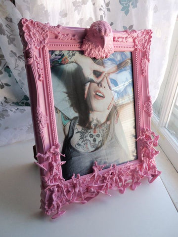 DIY frame for girls pink paint