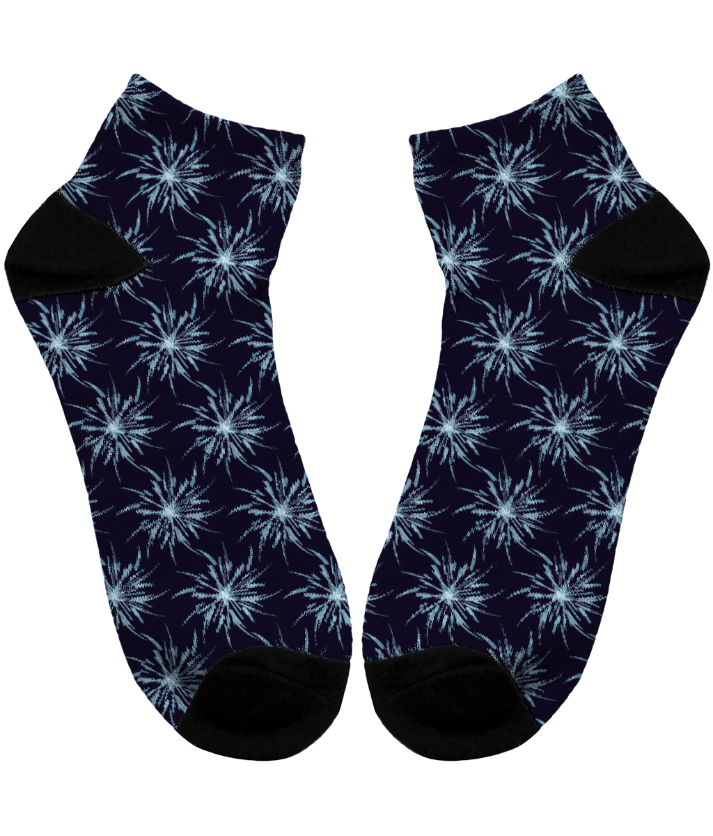 Christmas Snowflakes Pattern - Unisex Sublimation Ankle Socks by Daniel Bevis