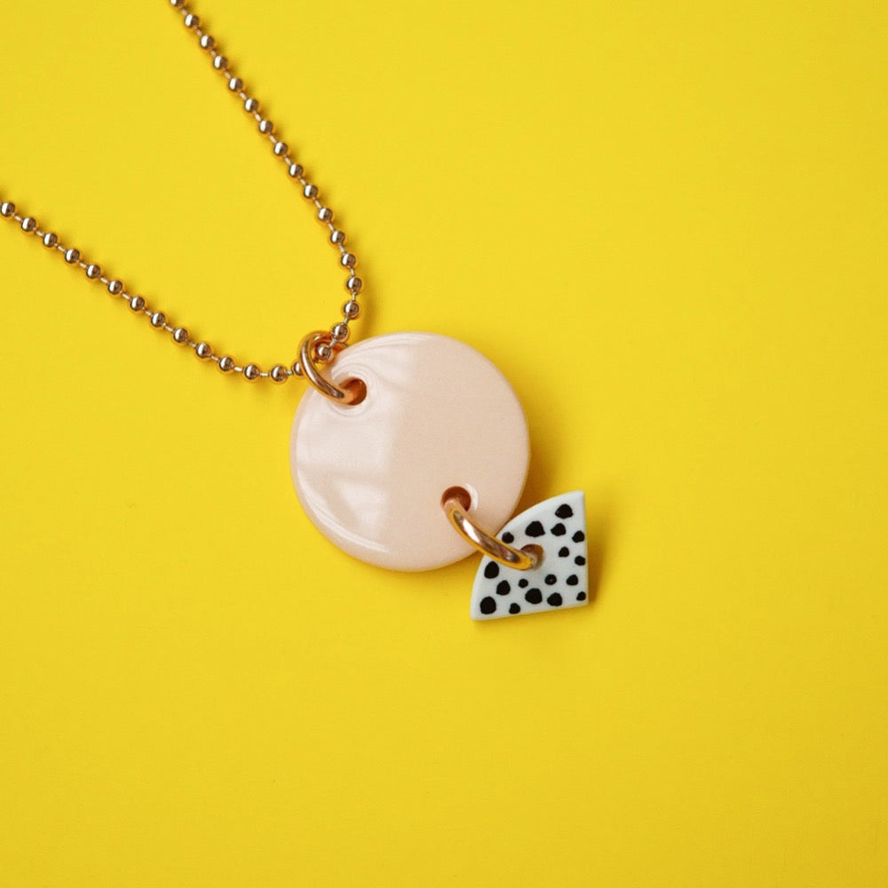 Porcelain necklace - Renske Versluijs