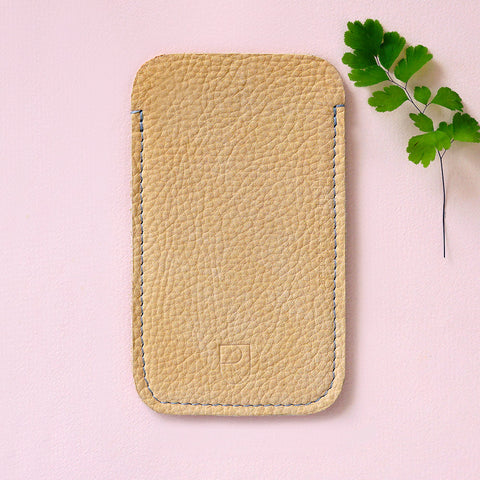 leather Iphone sleeve nude - Renske Versluijs