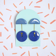Renske Versluijs - porcelain earrings 'ombrello' ocean - kobalt