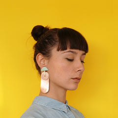 porcelain and leather earring - Renske Versluijs