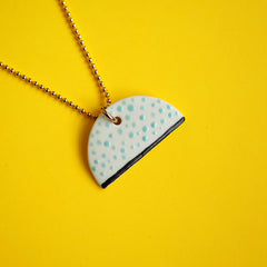 renske versluijs - porcelain necklace mabel minty dots