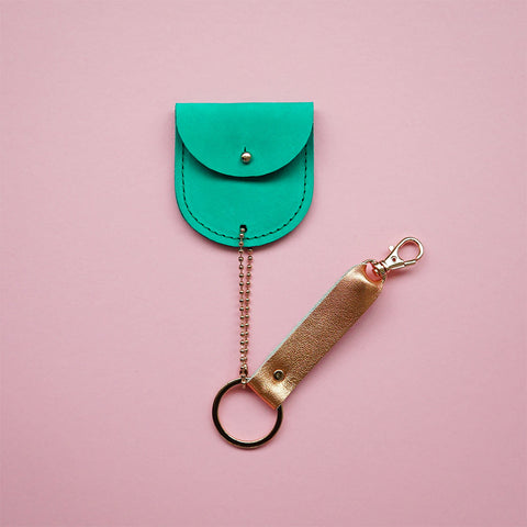 leather keychain green - Renske Versluijs