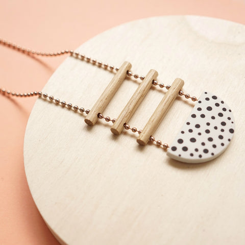 porcelain necklace dots - renskeversluijs