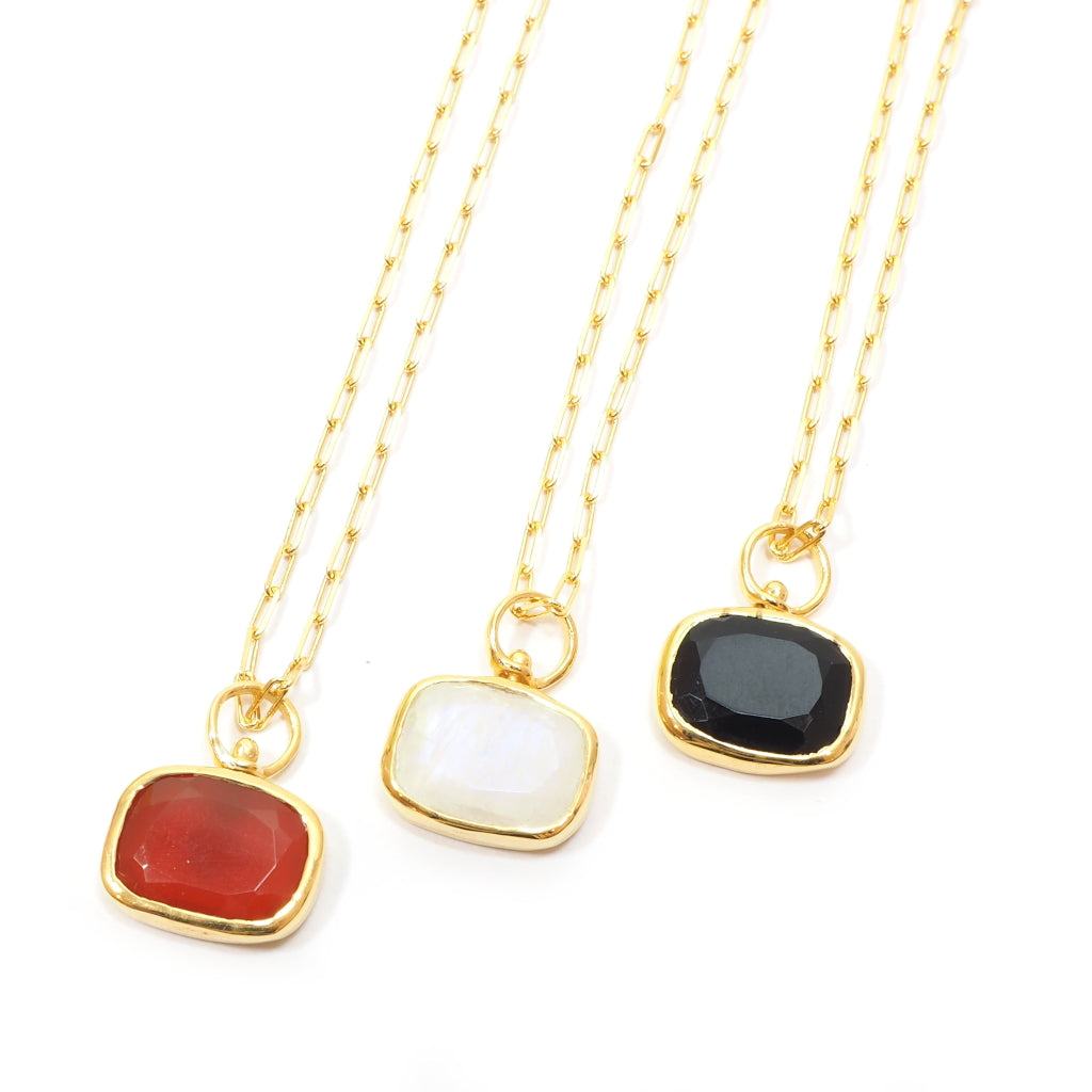 Amour Reversible Necklace in all colours - Lune/Moonstone, Rouge/Red, Noir/Black