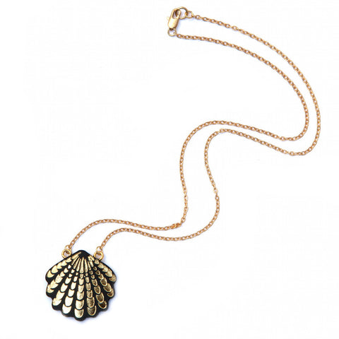 Wave Shell Necklace in Black