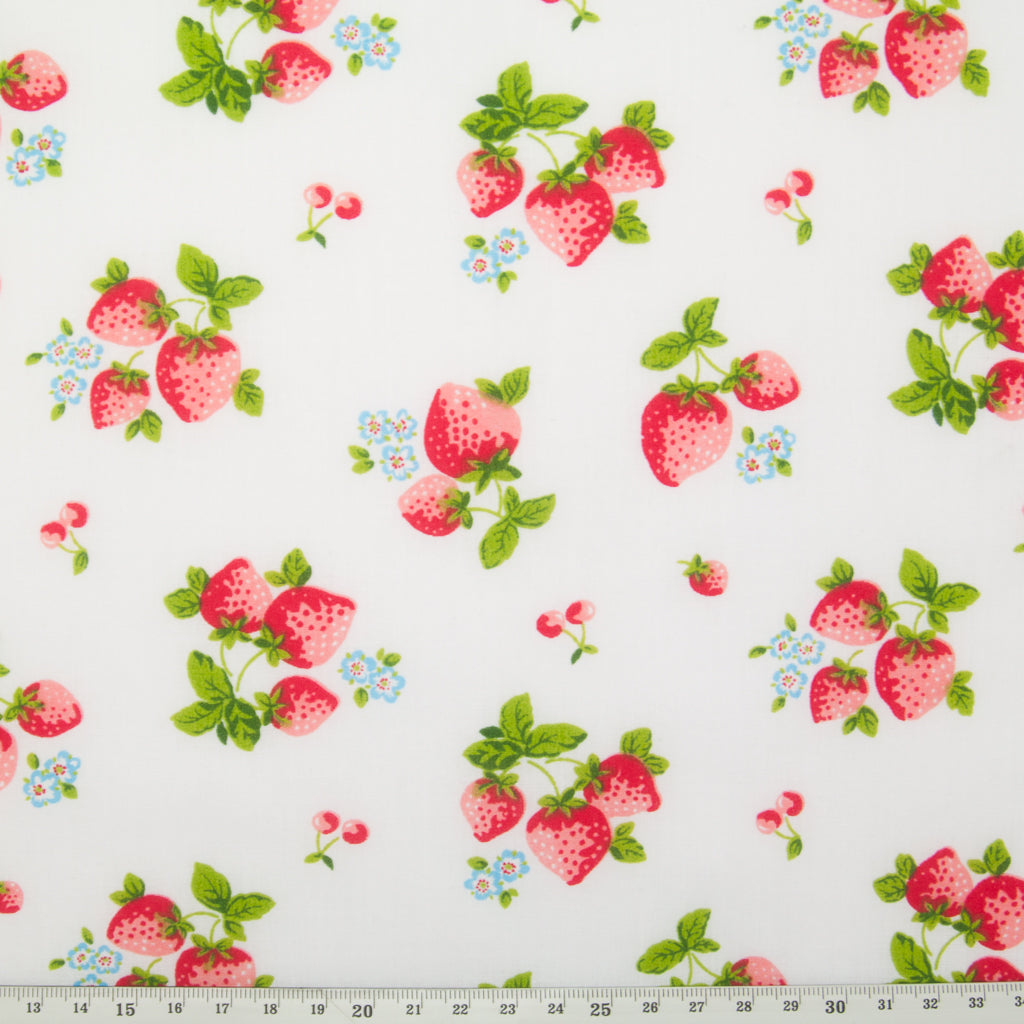 Fat Quarter Bundle of 5 - Strawberries