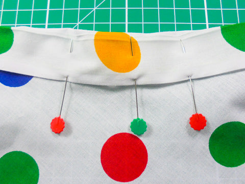 Easy way to attach a waistband using a sewing machine.