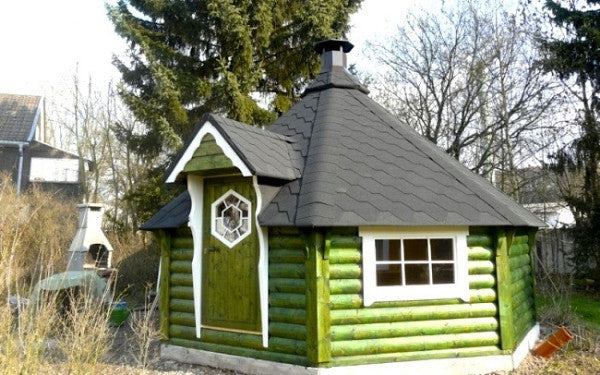 painted green 16.5 m2 grill house