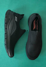 Load image into Gallery viewer, black skechers womens