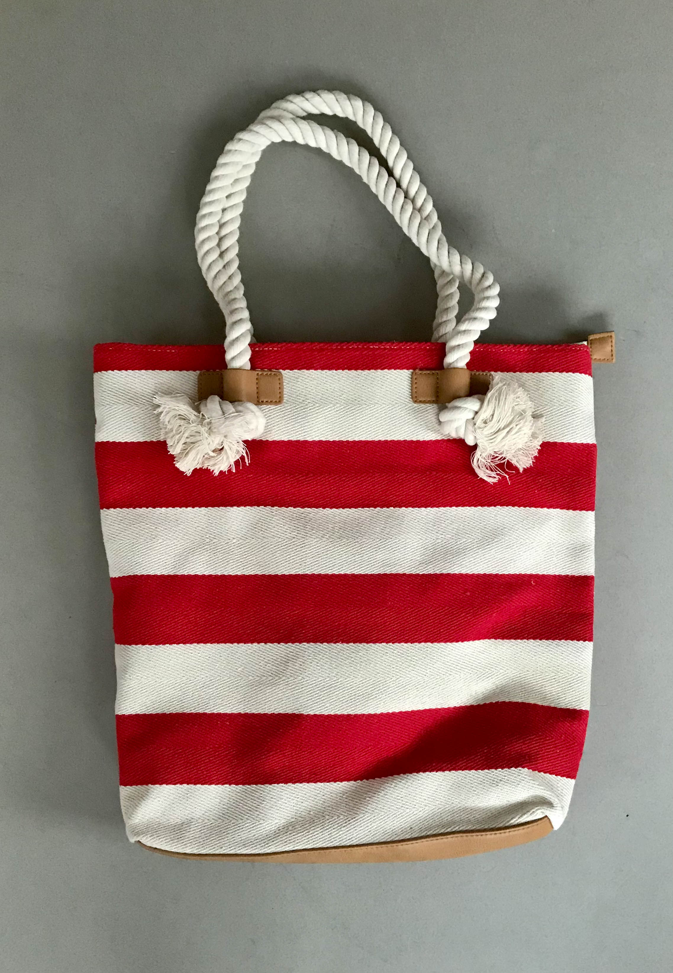 shoulder bags ara red white