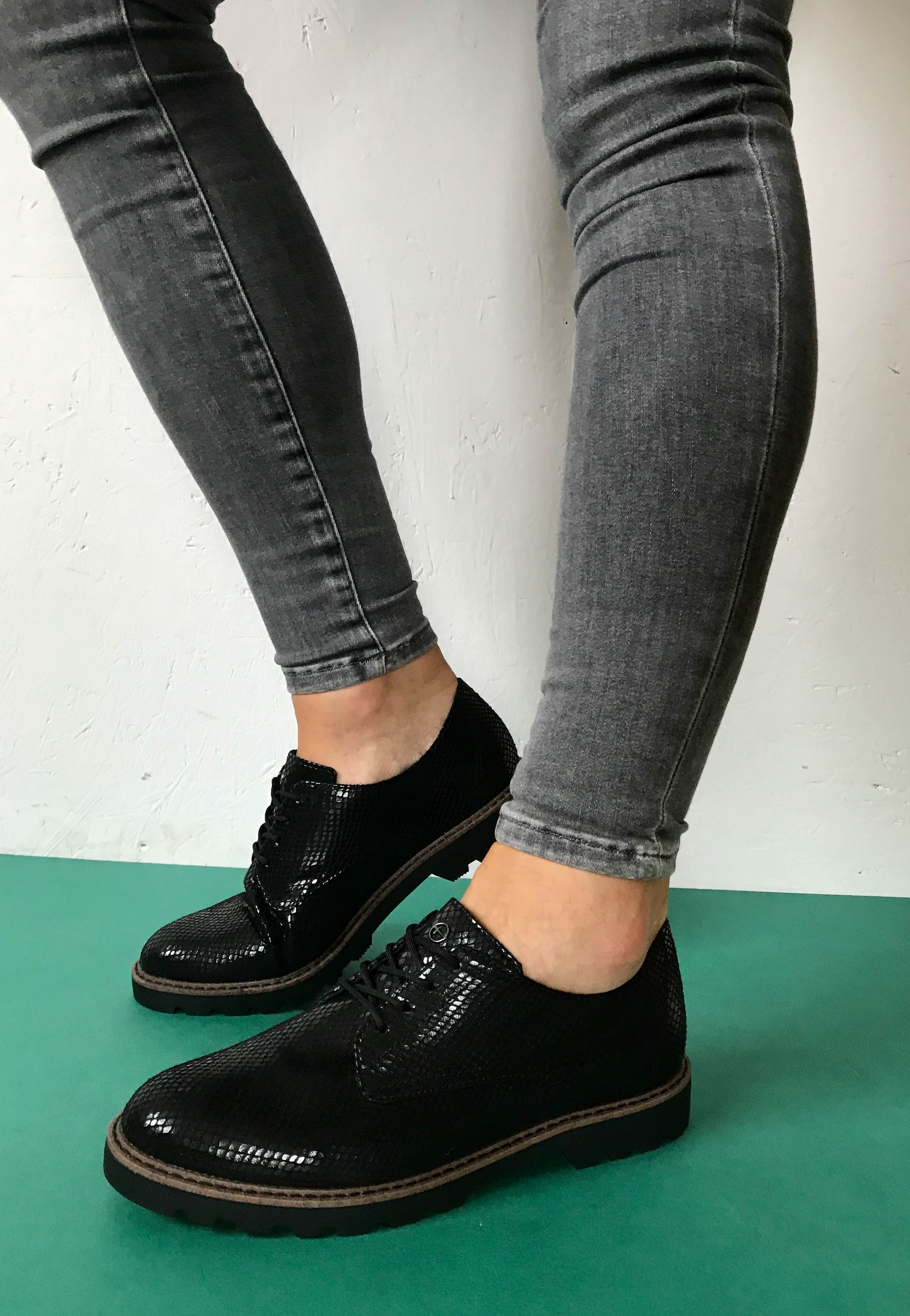ladies black shoes