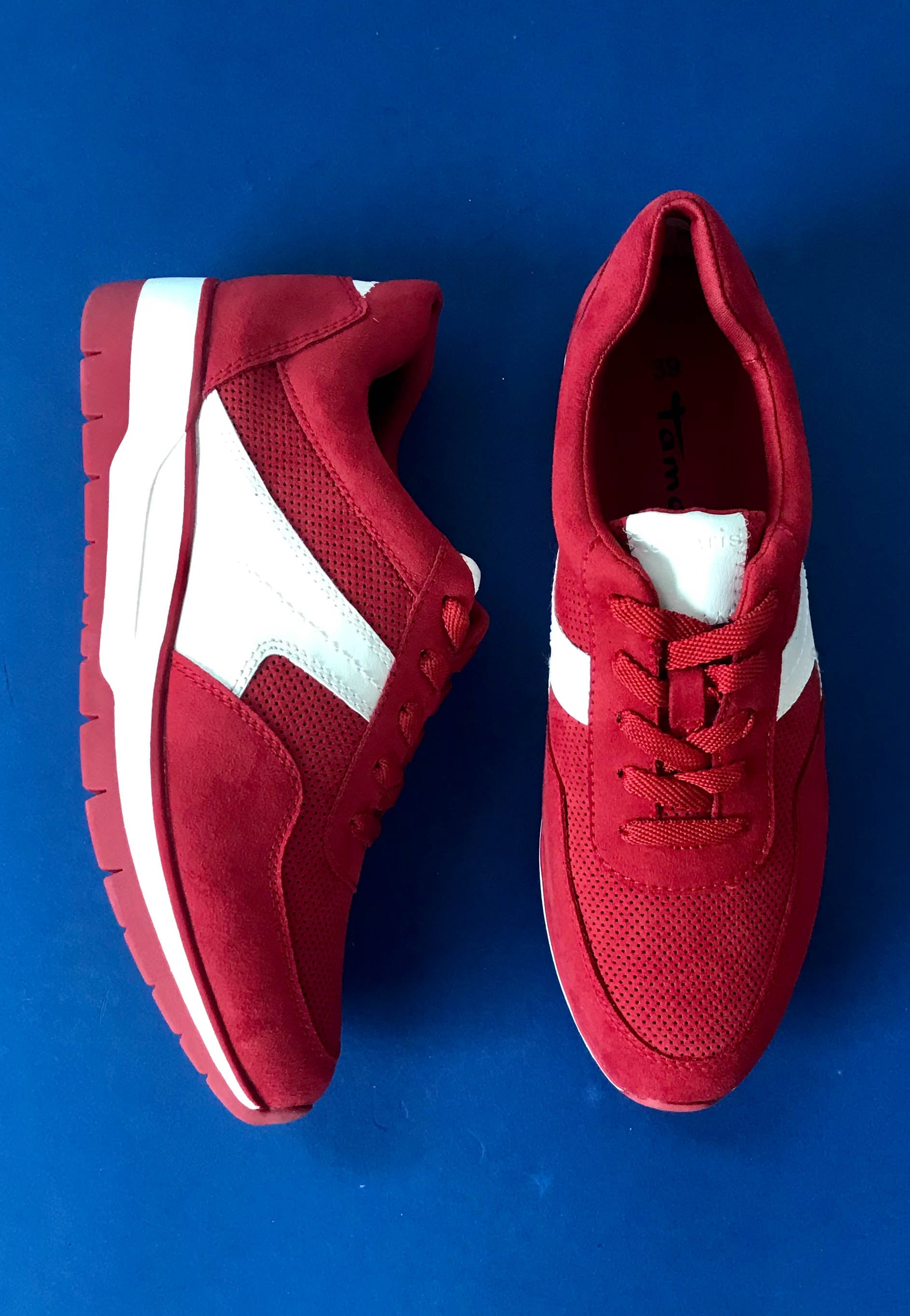 red lace up shoe tamaris