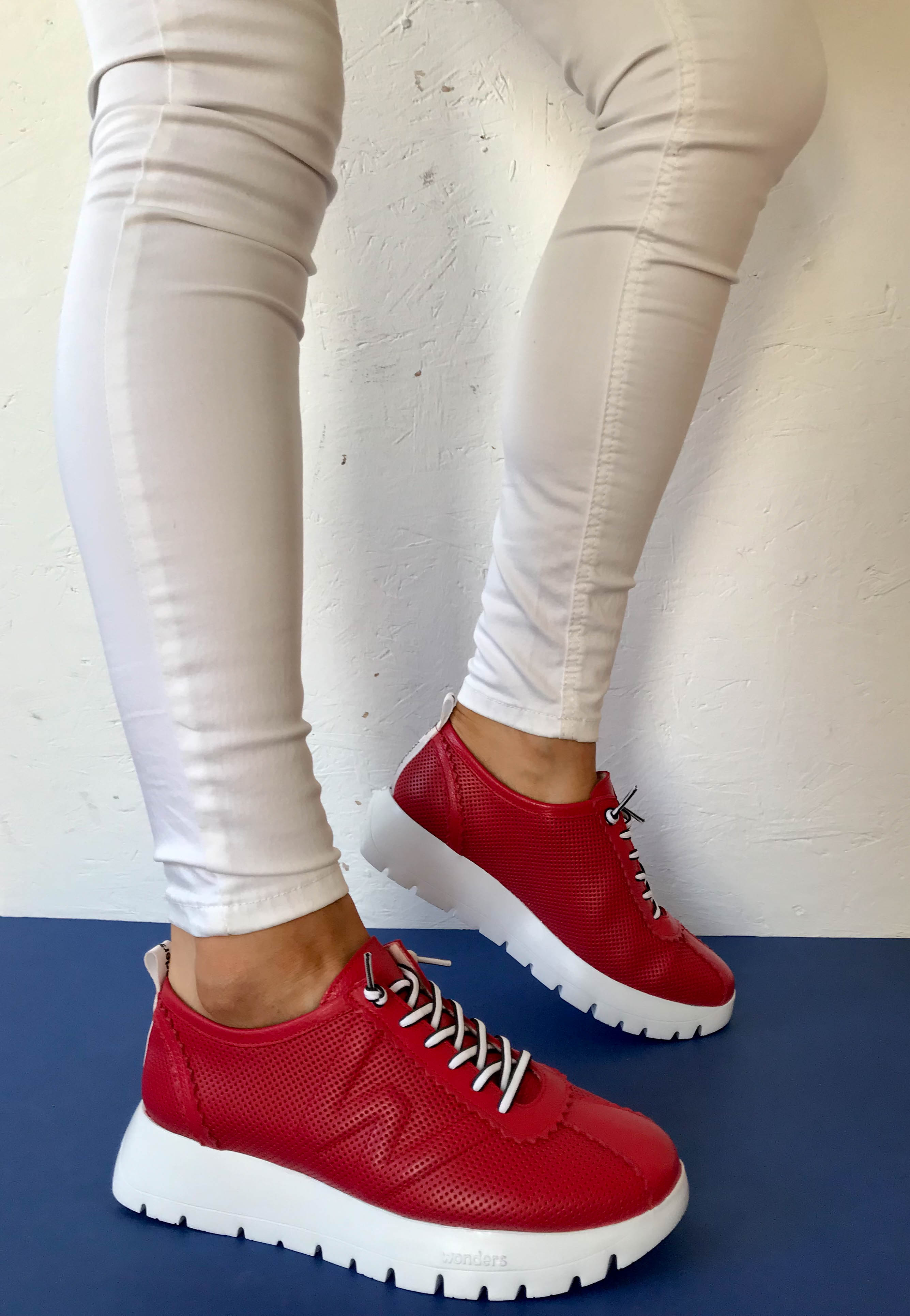 red shoes wonders