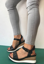 Load image into Gallery viewer, black wedge sandals tamaris