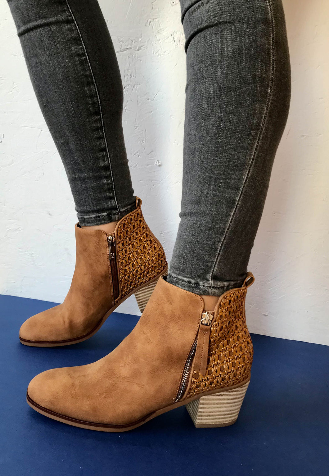 womens boots tan