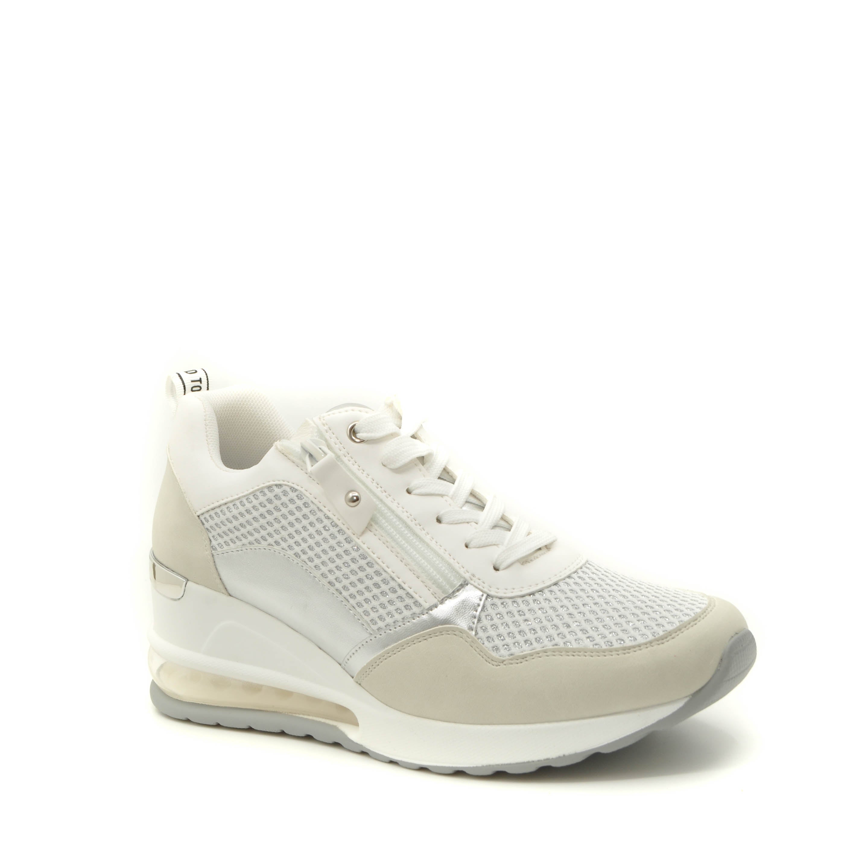 xti trainers white