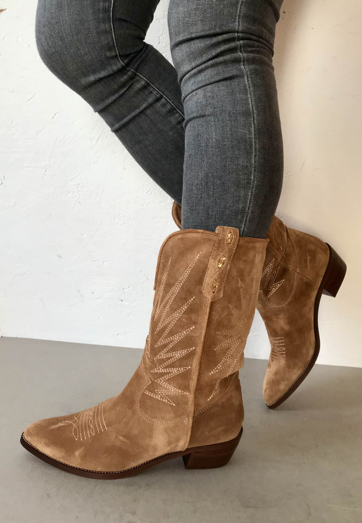 western boots tan