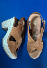 Load image into Gallery viewer, espadrilles  sandals tan