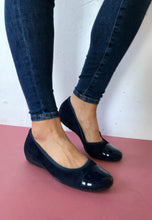 Load image into Gallery viewer, navy pump shoes