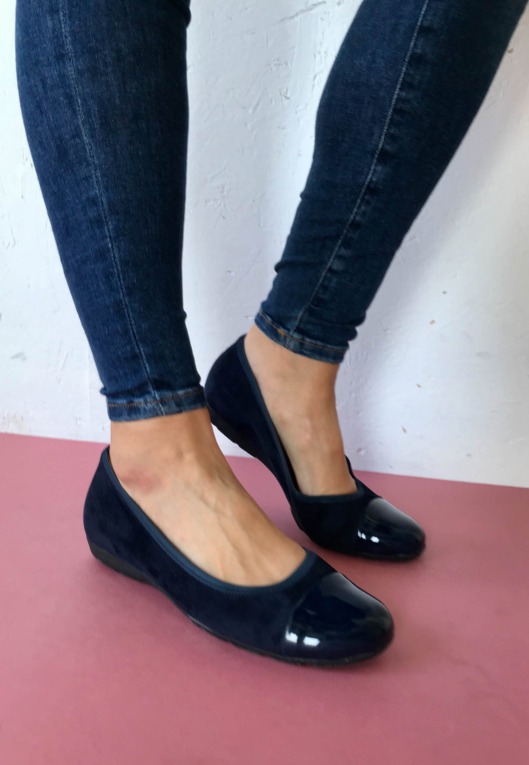 navy pump shoes