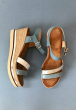 Load image into Gallery viewer, blue sandals zanni