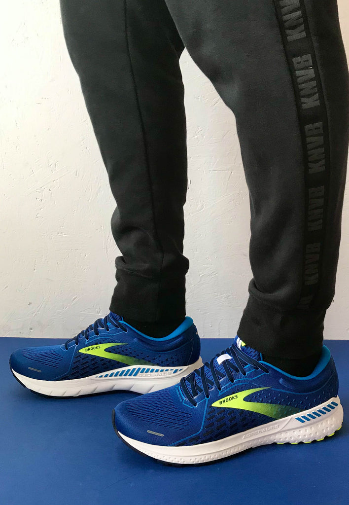 brooks blue runners