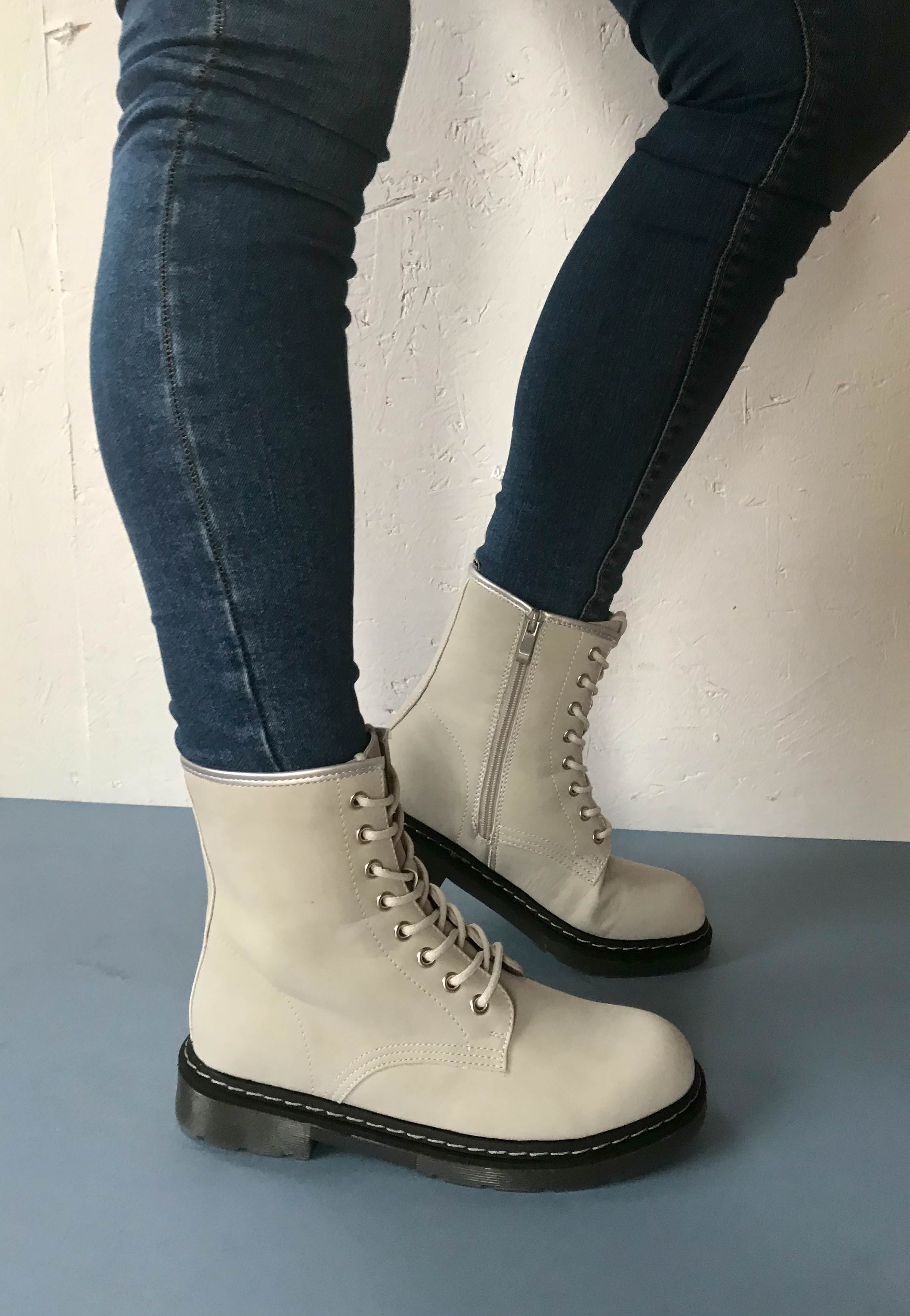 lace up boots women Drilleys