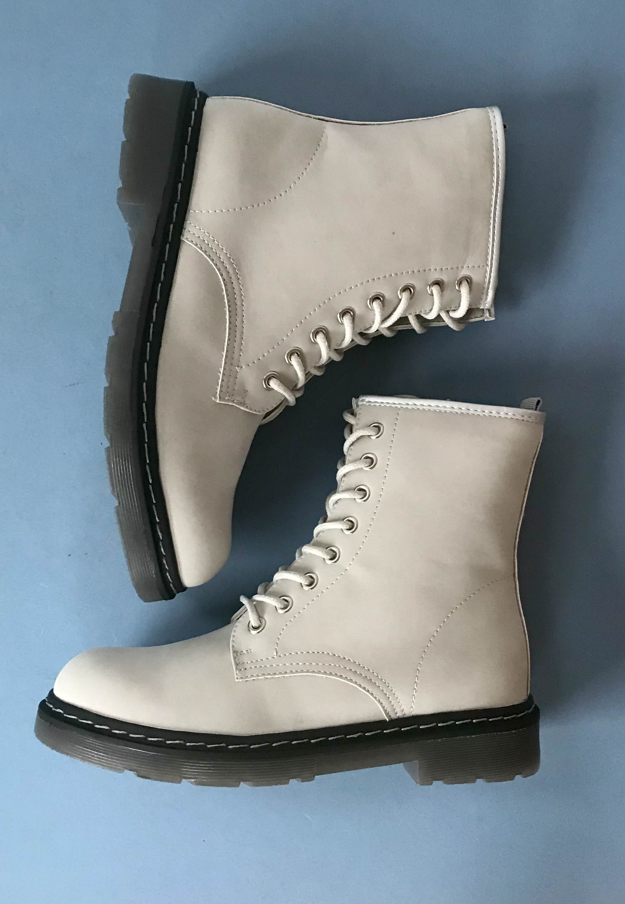 lace up boots grey