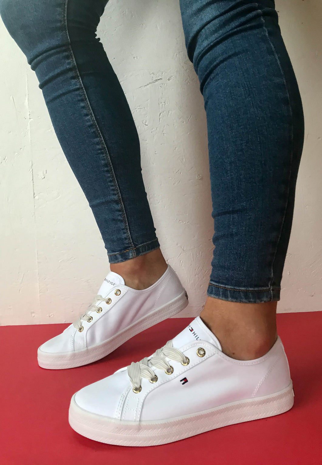 White trainers Tommy Hilfiger