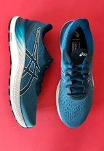 Load image into Gallery viewer, asics running shoes men blue