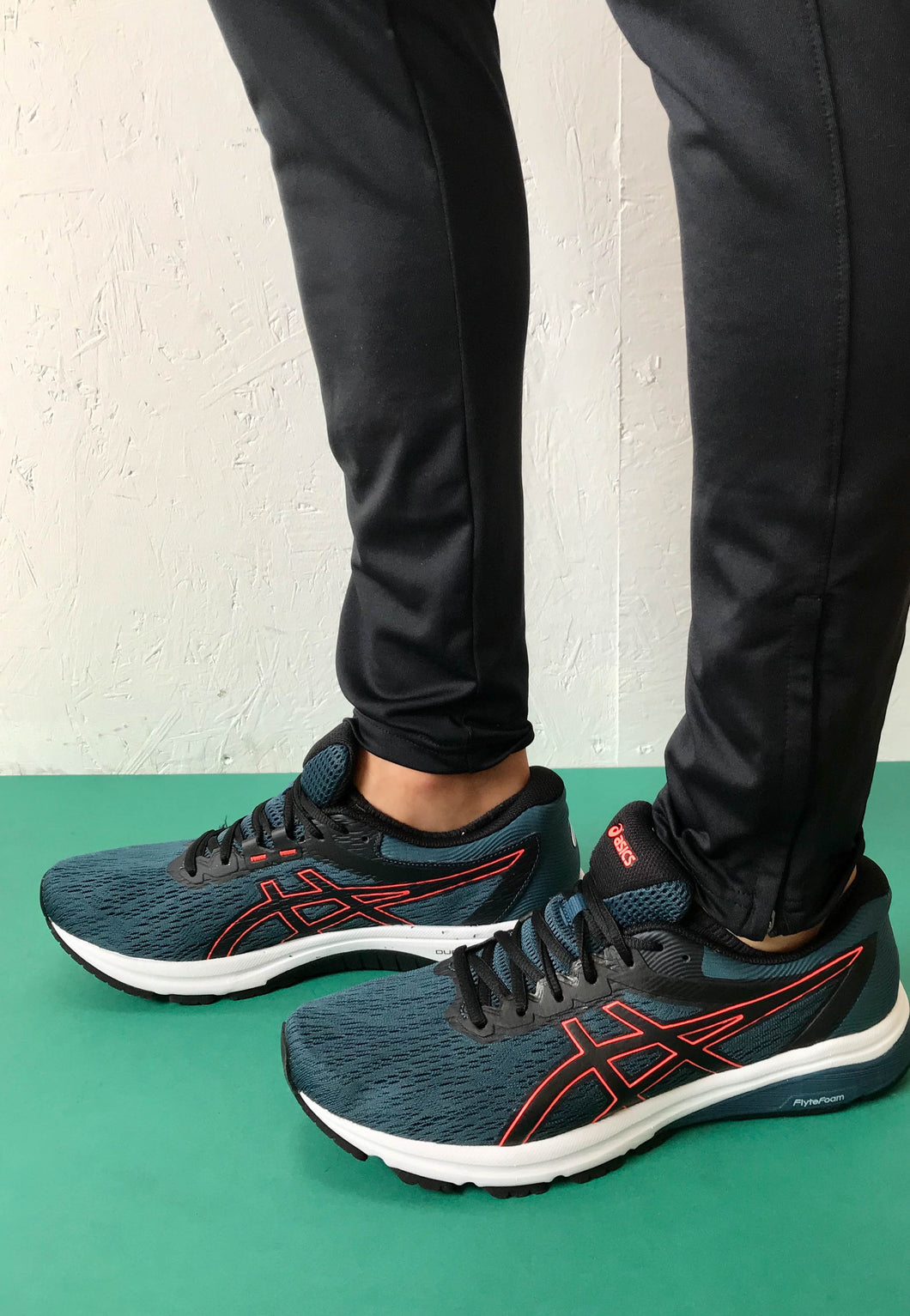 Asics blue runner