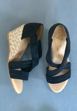 Load image into Gallery viewer, navy sandals