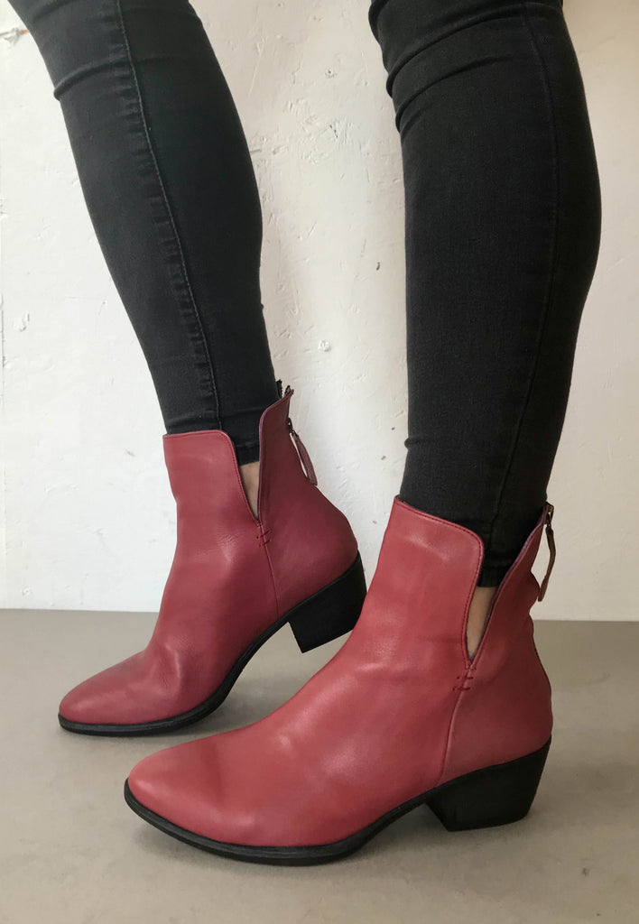 Bueno Ankle boots red