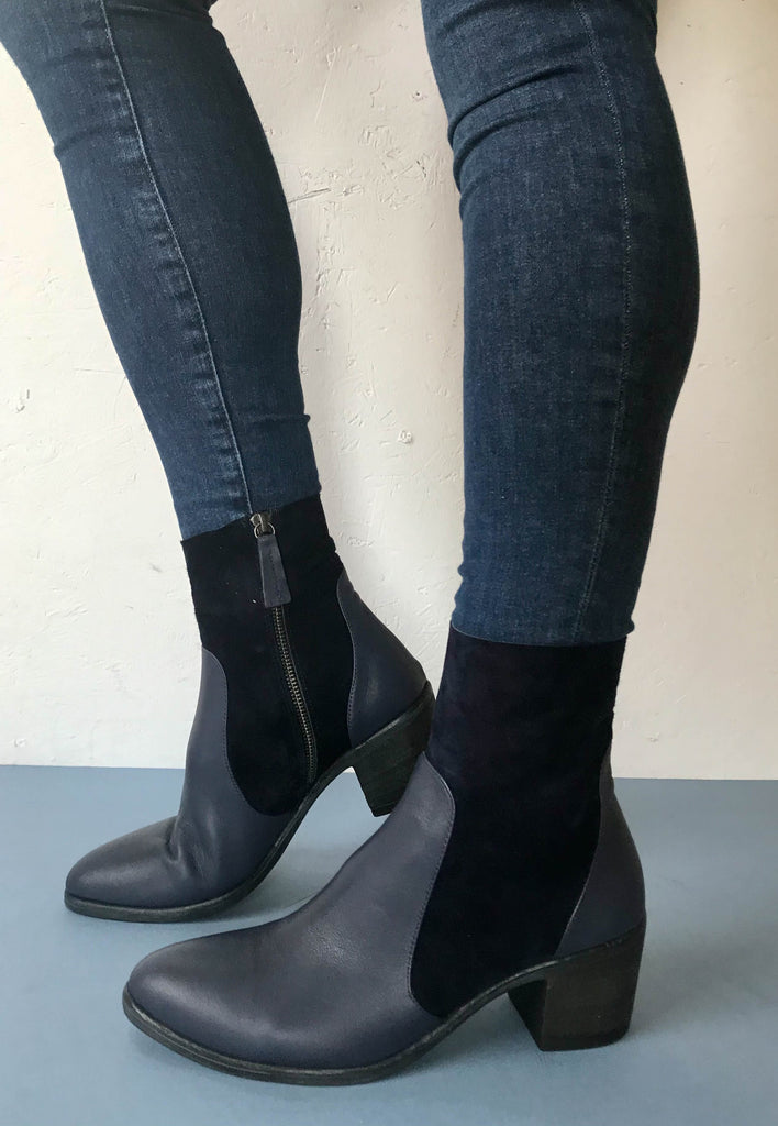 navy ankle boots Bueno